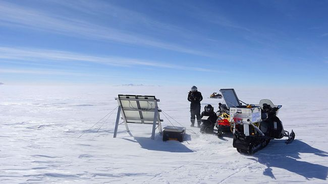 The seismic station on the Antarctic High Plateau - © International Polar Foundation / Jos Van Hemelrijck