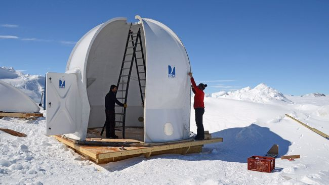 The geomagnetic observatory is finally taking shape! - © Jos Van Hemelrijck / International Polar Foundation