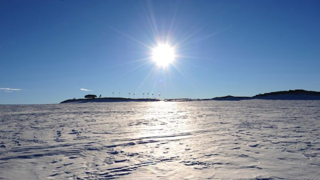 Sunny weather upon Utsteinen - © International Polar Foundation