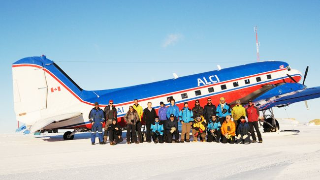The 2020 - 2021 BELARE team poses in front of the Basler - © International Polar Foundation