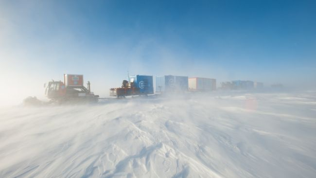 Convoy on the Antarctic plateau - © International Polar Foundation