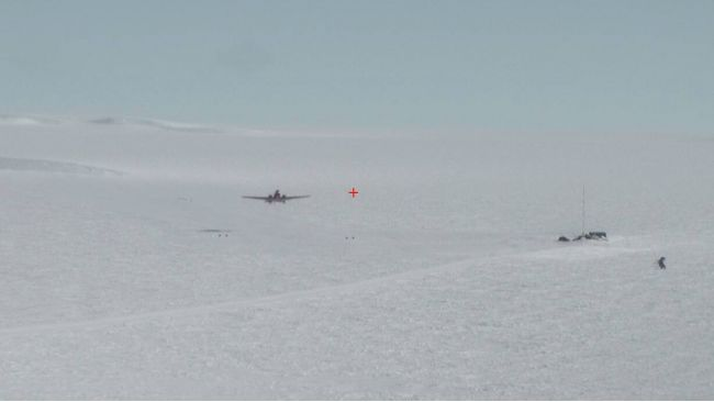 Our plane taking off from Utsteinen - © International Polar Foundation