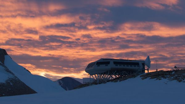 The Princess Elisabeth Antarctica with beautiful Antarctic sunset in background - © International Polar Foundation