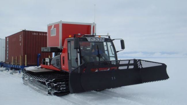 Prinoth Tractor Convoy - Copyright: International Polar Foundation - © International Polar Foundation
