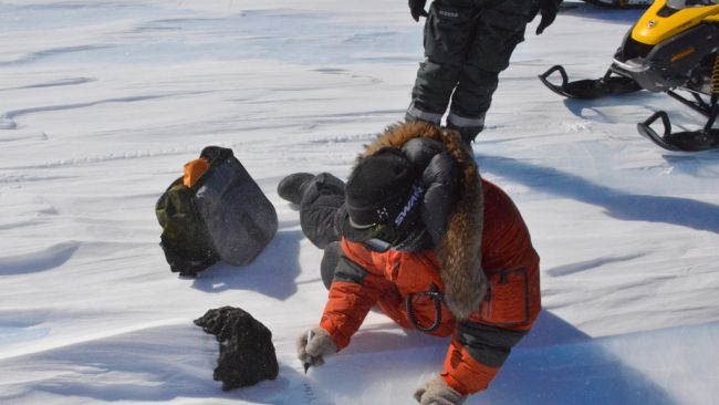 Scientists discover 18kg meteorite in East Antarctica - © International Polar Foundation