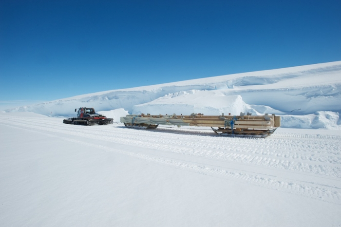 Transporting the massive beams that will be used for reconstruction of the entrance hall of Princess Elisabeth Antarctica - International Polar Foundation/Alain Hubert