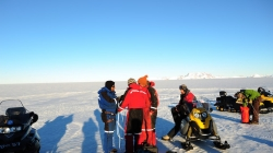 Chatting before getting started - International Polar Foundation
