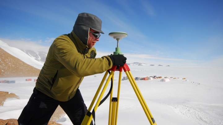 IceCon: Constraining Ice Mass Change in Antarctica - International Polar Foundation